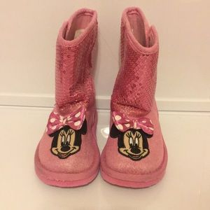 Minnie Mouse soft boots